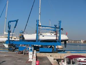 Déplacement du bateau pour la mise à l'eau